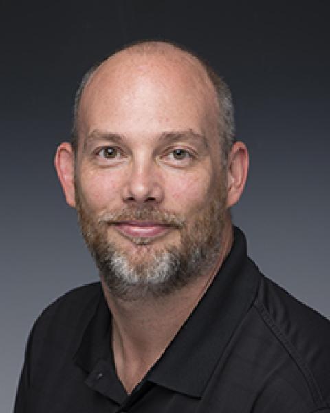 headshot of Scott Clements