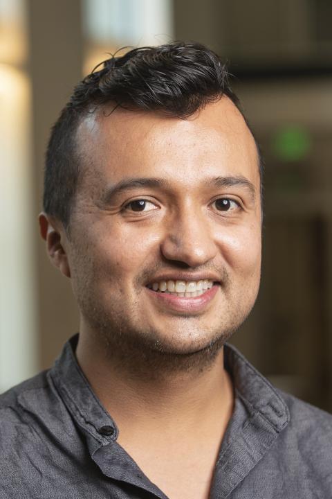 headshot of Mauricio Pulecio