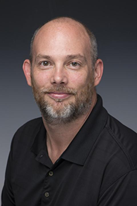 headshot of Scott Clements