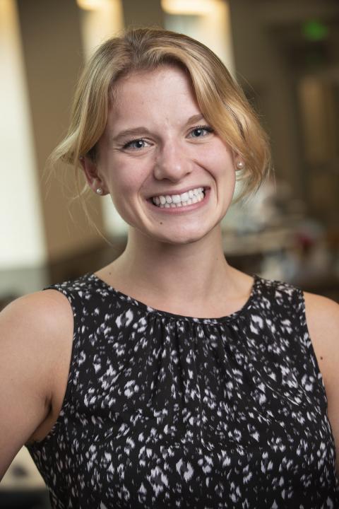 headshot of Rebecca Ludecke