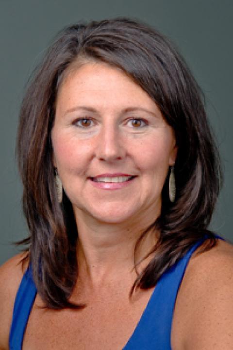 heashot of Donna Perkins